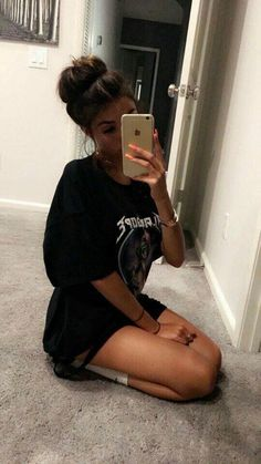 Madison beer style, madison beer no makeup, madison beet, mirror selfies, m Madison Beer Makeup, Madison Beer Style, Selfie Poses, Maddison Beer, Poses Photo, Foto Casual, Photos Tumblr, Photography Poses, Photoshoot