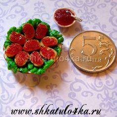 Шкатуло4ка.ru-Кукольная миниатюра Бутерброды с красной икрой на тарелке-1 (Ручная работа!)