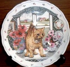 Royal Albert - The Country Kitten Collection - Collector Plates- Fascination- a ref Tabby captivated by a fluttering butterfly