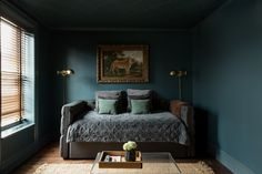 Design Cheat Sheet: 5 Need-To-Know Tricks About Decorating With Color