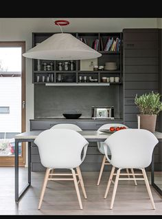 Betonipöytä Kannustalo Lato Kitchen Dining, Dining Rooms, Corner Desk, The Good Place, Beautiful Homes, Interior Decorating, Bedroom, Chair, Storage