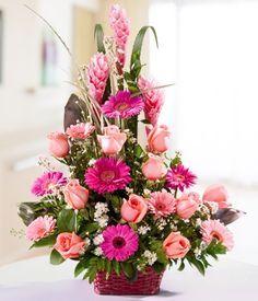Canasta de Flores Surtidas Altar Flowers, Church Flower Arrangements, Silk Arrangements, Church Flowers, Simple Flowers, Cut Flowers, Pretty Flowers, Pink Flowers, Ikebana Flower Arrangement