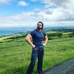 Random Drew Post of the Day! A wild Drew in its natural habitat of Scotland. Drew Galloway, Scottish Warrior, Braun Strowman, Dolph Ziggler, Jeff Hardy, Wrestling Superstars, Drew Mcintyre, Wwe Champions, Brock Lesnar