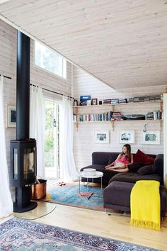 Holiday with smart solutions Micro House, Tiny House, Red Cottage, Workspace Inspiration, Stove Fireplace, Compact Living, Small Spaces, Living Room, Bed