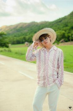 """Summer Package 2017 Taehyung Please credit and or repost with watermark"" Foto Bts, Bts Photo, Vocaloid, Taehyung Photoshoot, Jin, Les Aliens, Bts Summer Package, V Bts Wallpaper, Kim Taehyung"