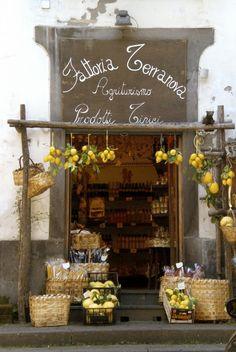"Shop in Positano, Italy :: Another great shop to move here | put my stuff in ... Love the ""open door"" look!"