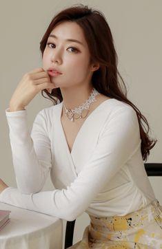 Korean Women`s Fashion Shopping Mall, Styleonme. Cute Asian Girls, Beautiful Asian Girls, Cute Korean Fashion, Pakistani Girl, Ethereal Beauty, Sexy Jeans, Girl Body, Korean Model, Wrap Style
