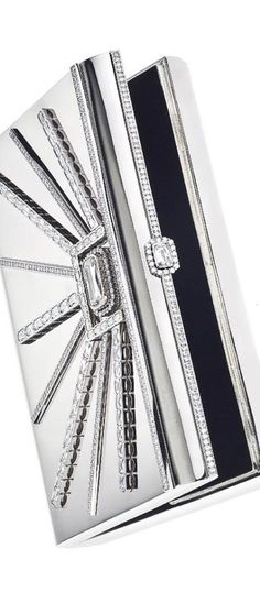 Trendy Women's Purses : William Goldberg The first ever ASHOKA® diamond clutch, totaling over 39 carats and set in solid white gold. Vanity Case, Purses And Handbags, Handbags 2014, Cheap Handbags, Womens Purses, Diamond Are A Girls Best Friend, Perfume, Beautiful Bags, Chanel
