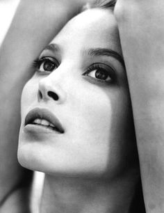 """Christy Turlington....A magnificent """"woman's woman""""...classy, .  clean living, smart and strong. T"""