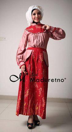Abaya gamis batik tulis kombinasi, Kode : C-BY-20b  Ready size : S  Harga : Rp. 361,250   Pemesanan dan info harga bisa melalui inbox Batik Maduretno  atau via SMS only ke 081.703.166.751 or sms/call 081.934639088