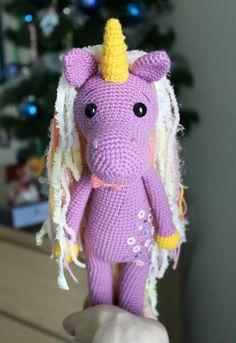 Tímido patrón de amigurumi unicornio
