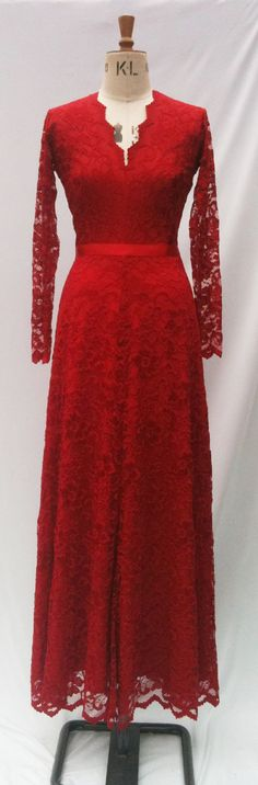 Baylis & Knight Red on Red LACE Princess Kate by BaylisandKnight, Ball Gown Dresses, Event Dresses, Wedding Dresses, Princess Kate Middleton, Low Cut Dresses, Long Sleeve Maxi, Beautiful Prom Dresses, Dress Me Up, Dress Red