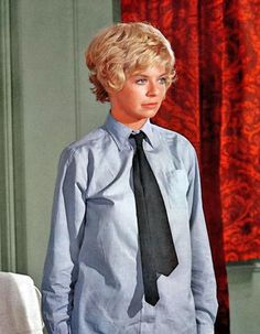 This installment in my series of beautiful blond actress articles features some of the loveliest blond stars yet! Who can deny the power of a Hollywood blonde on the silver screen? Battle Of Britain Movie, Actrices Blondes, Susannah York, Blonde Actresses, Bollywood, Portraits, Costume, British Actresses, Most Beautiful