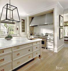 Cerused quarter-sawn white oak | custom cabinetry by O'Brien Harris | Luxe Magazine
