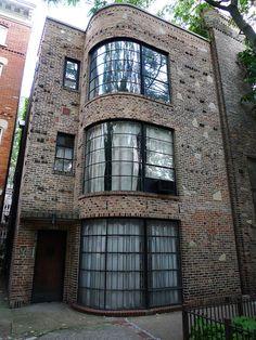Carl Street Studios by Edgar Miller, Lincoln Park, Chicago.