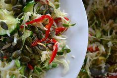 Jeść, by żyć w zdrowiu!: ULUBIONA SAŁATKA Z BIAŁEJ KAPUSTY