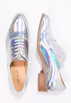 902a7f0238a1c Shoe The Bear GIGI - mirror Derbies Femme, Livraison, Chaussure, Derby,  Figurine