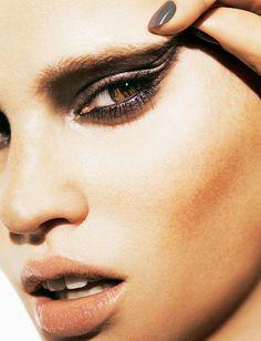 Lara Stone for Madame Figaro October 2013 | The Fashionography