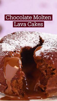 Fun Baking Recipes, Sweet Recipes, Yummy Snacks, Yummy Food, Easy Desserts, Dessert Recipes, Comida Diy, Lava Cakes, It Goes On