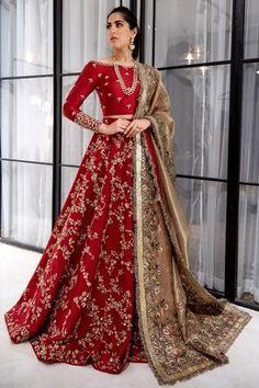 Pakistani Wedding Outfits, Indian Bridal Outfits, Indian Bridal Lehenga, Pakistani Bridal Dresses, Pakistani Wedding Dresses, Red Lehenga, Lengha Choli, Lehenga Wedding, Sabyasachi Wedding Lehenga