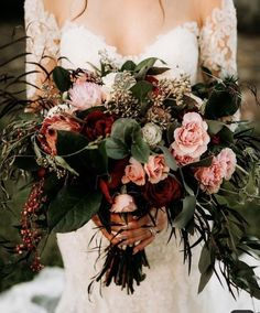 50 Stunning Fall Wedding Floral Bouquet That Will Save You a Ton of Money From luscious berry-tones to blooms bursting with an array of reds and oranges, these 50 stunning fall wedding floral arrangements will bring some seasonal flair to your big day. Wedding Tips, Fall Wedding, Wedding Planning, Dream Wedding, Rustic Wedding, Wedding Reception, Wedding Table, Wedding Window, Wedding Order