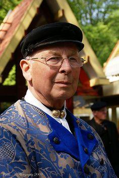 Klederdracht - Old Dutch Costume by Hylda_H, via Flickr