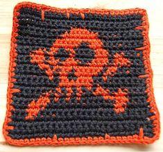 Free Jolly Roger skull and crossbone crochet pattern from Wists Crochet Quilt, Tapestry Crochet, Crochet Squares, Crochet Motif, Crochet Yarn, Free Crochet, Crochet Blankets, Crochet Granny, Crochet Gifts