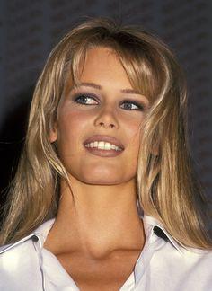 Claudia Schiffer pictures and photos Claudia Schiffer, Brigitte Bardot, Modelos Guess, Beauté Blonde, German Women, 90s Models, Pretty Face, Makeup Inspiration, Makeup Looks