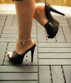 Black Mules and anklet