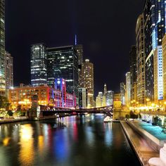 """And  Mark Twain Said """"She is novelty; for she is never the Chicago you saw when you passed through the last time."""" #Chicago #Downtown #WindyCity #ChicagoLoop #ChicagoRiver #Night #Colors #Lights #CityLights #Reflection #PrettyTown #LovelyEvening #September2017 #Summer2017 #HapyyMonday #LongExposure #DeepColors #RichShades #WellsStreetBridge"""