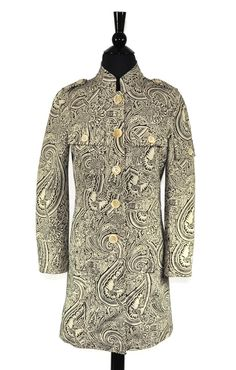 Etro Paisley Floral Button Coat. Free shipping and guaranteed authenticity on Etro Paisley Floral Button CoatEtro Milano Size Italian 38 / US 2 100% Cotton ...