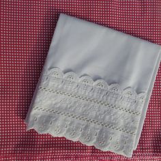Vintage Dust Ruffle White Eyelet Lace Twin Bed Skirt