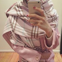 product type:ScarvesProduct Use Gender:WomenProduct materials:Silk,Cashmere,Modal,CottonPattern Style:PlaidColor:SameasthepictureSize:200X60cmMatetrial:CashmereFeature:ClassicPlaid