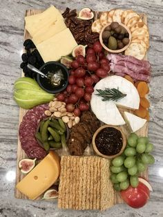 How to Build a Beautiful Cheese and Charcuterie Board with The BakerMama Frozen Banana Pops, Chocolate Covered Bananas Frozen, Chocolate Chip Ice Cream, Chocolate Chip Banana Bread, Chocolate Chips, Pumpkin Tarts, Pumpkin Bread, Homemade Ice Cream Sandwiches, Peanut Butter Banana Bread
