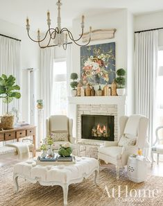 50 shades of white in a home has always been a favorite of mine. I love the decor in this room, even though there is a lot of white happening here it still has a cozy look to it. French Country Living Room, French Country Farmhouse, French Living Rooms, French Country Bedrooms, Home Living Room, Living Room Decor, Bedroom Decor, French Decor, French Country Decorating