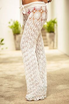 CALÇAS Crochet Pants, Crochet Clothes, Knit Pants, Knit Crochet, Culture Clothing, Crochet Woman, Pants Pattern, Women's Summer Fashion, Crochet Designs