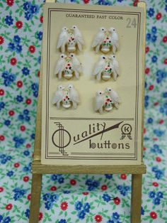 Darling Original Card of Vintage Realistic Bird Buttons