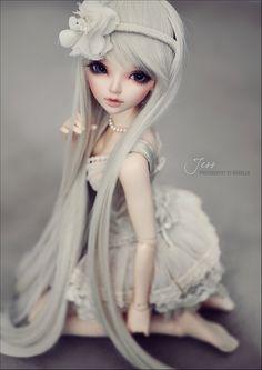 I love Nicole's Dreams faceups and dolls.