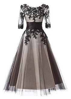 Buy discount In Stock Elegant Tulle Scoop Neckline A-Line Tea-length Prom Dresses With Lace Appliques at Dressilyme.com