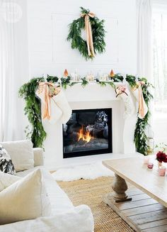 pretty pink christmas decor