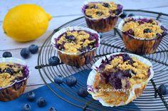 Een overheerlijk recept... Havermoutmuffins met bosbessen! Bekijk het recept op : http://www.roozfashion.nl/portfolio-items/muffins/?portfolioID=11686  Bon Appétit!