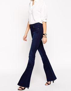 Immagine 4 di ASOS - Jeans a zampa blu profondo