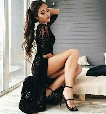 Beautiful and sexy women. in beautiful and sexy clothes and poses Great Legs, Beautiful Legs, Beautiful Women, Beautiful People, Black Dress Sandals, Dress Shoes, Shoes Heels, Dress Skirt, Dress Up