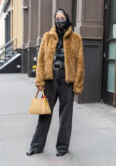 Guess Jeans, Mom Jeans, Street Look, Street Style, Shell Suit, Swedish Brands, Acid Wash Jeans, Printed Pants, Fall Winter Outfits