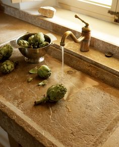 A very interesting sink - imagine living in a kitchen with this. My Paradissi: Rustic kitchen style