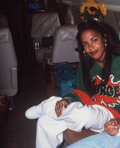Lisa Lopes and Aaliyah...ironic photo. Both gone too soon ...