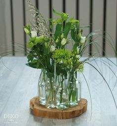DIY: ausgefallene Blumendeko zum Frühling von Deko-Kitchen Bricolaje: elegante deco floral para la primavera de deco-cocina The post Bricolaje: elegante deco floral para la primavera de deco-cocina appeared first on Crystal Wilson. Unusual Flowers, Diy Flowers, Diy Kitchen Decor, Deco Floral, Bottle Painting, Deco Table, Decoration Table, Ikebana, Home Depot
