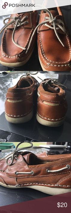 Bass deck shoes! EUC Deck shoes! Bass Shoes Flats & Loafers