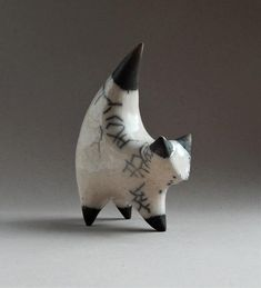 Ceramic sculpture of a cat, white cat, Christmas present, original gift, collection of cats, cat fig