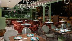 Η Θάλεια Τσιχλάκη διηγείται ένα «παραμύθι» με δυο φανταστικούς ήρωες της Nintendo, ένα διαφορετικό ζυμάρι από τη Νάπολη, καμιά δεκαριά πριγκίπισσες κι ένα μπρούντζινο φούρνο. My Athens, Mario And Luigi, Table Settings, Restaurant, Table Decorations, Nintendo, Furniture, Home Decor, Decoration Home